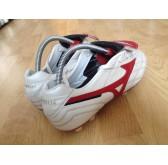รองเท้าฟุตบอลสตั๊ด Mizuno morelia Japan