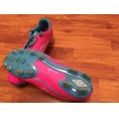รองเท้าสตั๊ด UMBRO เบอร์ 40.5 สีชมพู (มือสอง)