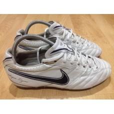 รองเท้าฟุตบอลสตั๊ด nike